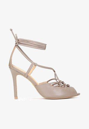 LICORICE - Sandalen met hoge hak - taupe