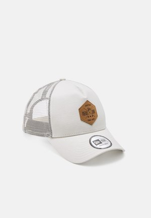 HERITAGE PATCH FORTY TRUCKER - Gorra - stone