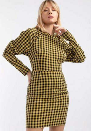 KIMMI - checked dress - Sukienka etui - yellow - black