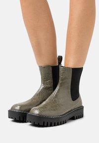 RAID - ZINNIA - Platform ankle boots - khaki - 0