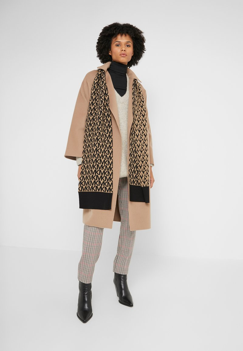 MICHAEL Michael Kors - ALLOVER SCARF - Szal - dark camel/ black