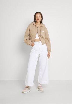 CORBY HOODED ZIP WOMEN - Zip-up sweatshirt - roasted beige