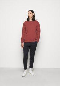 Les Deux - CALAIS - Sweatshirt - rust red - 1