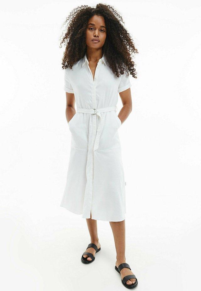 Sukienka koszulowa - bright white