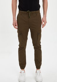 DeFacto - Cargo trousers - khaki - 0
