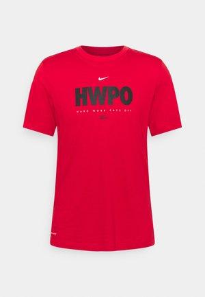 TEE  - Print T-shirt - university red