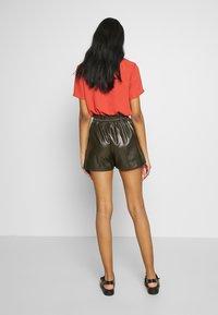 Molly Bracken - LADIES - Shorts - olive - 2