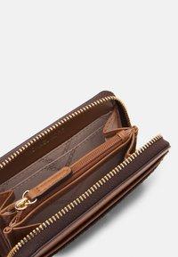 MICHAEL Michael Kors - JET SET CHARM COIN CARD CASE - Wallet - brown/acorn - 2