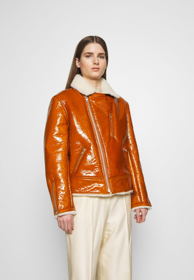 BIKER - Leather jacket - caramel