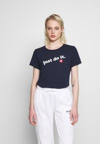 Nike Sportswear - TEE - Print T-shirt - obsidian/white - 0