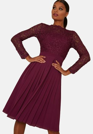 HIGH NECK LONG SLEEVE MIDI - Cocktail dress / Party dress - red