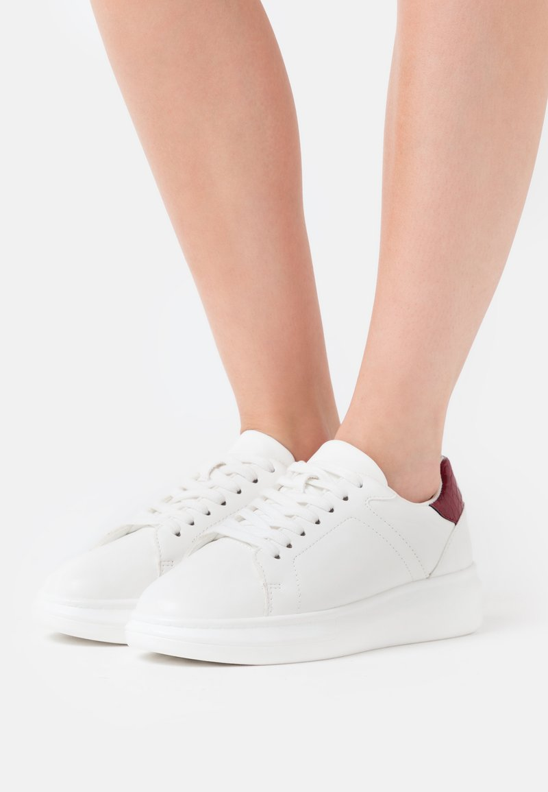 NA-KD - CURVY PLATFORM TRAINERS - Trainers - white
