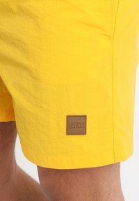 Urban Classics - BLOCK SWIM - Shorts da mare - chrome yellow - 3
