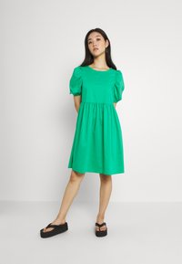 Vero Moda - VMFRANCES SHORT WOW DRESS - Freizeitkleid - blarney - 0