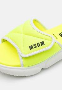 MSGM - Mules - neon yellow - 5