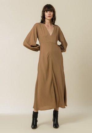 MANON - Day dress - hazelnut