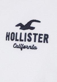 Hollister Co. - CORE LOGO - Polo - white - 6
