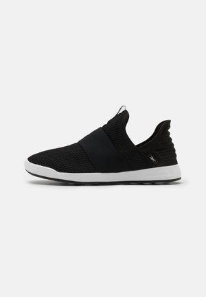 EVER ROAD DMX SLIP ON 4 - Sportieve wandelschoenen - black/white