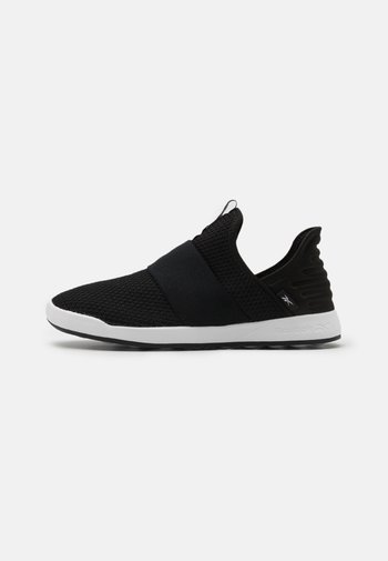 EVER ROAD DMX SLIP ON 4 - Chodecké tenisky - black/white
