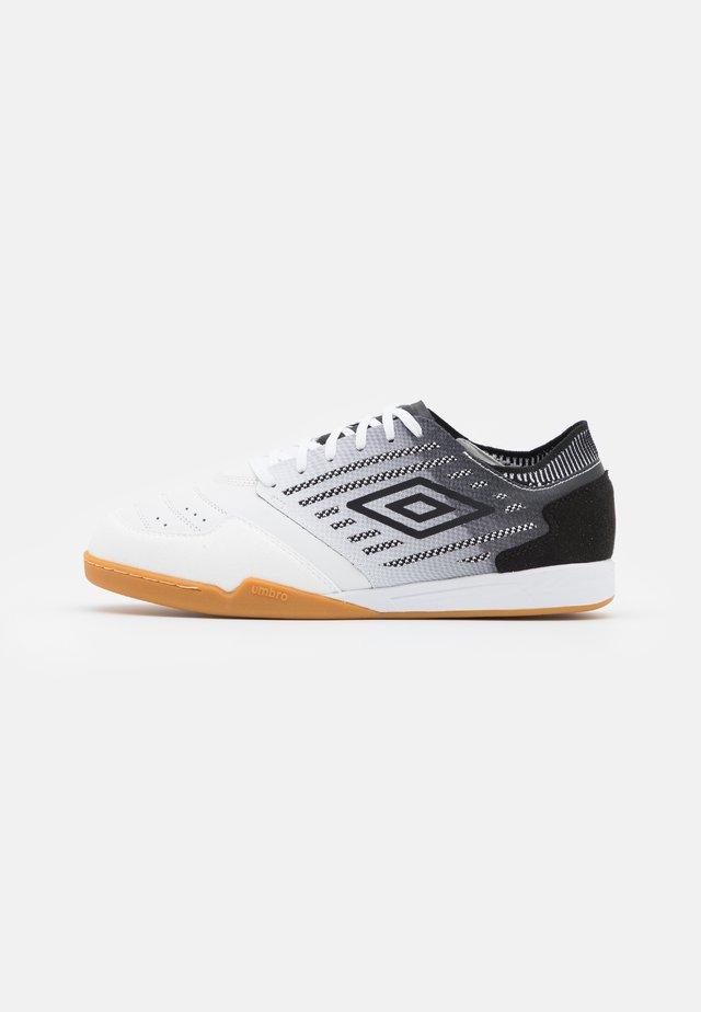 CHALEIRA II PRO - Indendørs fodboldstøvler - white/black