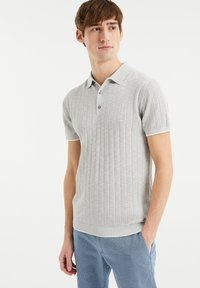 WE Fashion - MET STREEPSTRUCTUUR - Polo shirt - light grey - 0