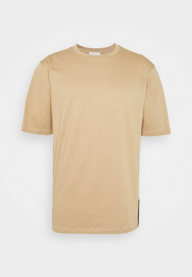PRO - T-shirt print - tiger eye