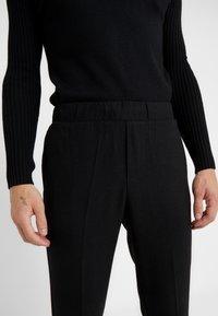 Bruuns Bazaar - CLEMENT CLARK PANT - Trousers - black - 6