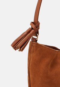 Anna Field - LEATHER - Across body bag - cognac - 3