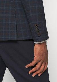 Isaac Dewhirst - THE BLAZER - Blazer jacket - dark blue - 4