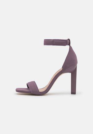 VEGAN ROSALIAA - Sandalen met hoge hak - purple