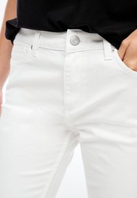 Q/S designed by - Denim shorts - white - 5