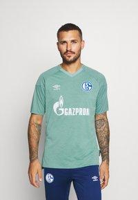 Umbro - FC SCHALKE 04 - Club wear - wasabi/oil blue - 0
