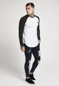 SIKSILK - RAGLAN LONG SLEEVE - Top s dlouhým rukávem - black/white - 1