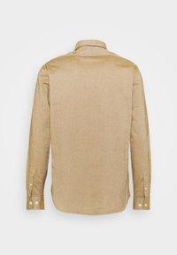 Selected Homme - SLHREGRICK FLEX - Camisa - teak - 1