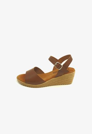 Sandalias de cuña - marrón avellana