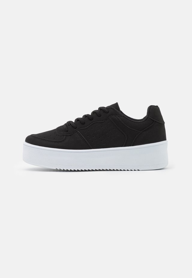 FLIRTY PLATFORM - Sneakers basse - black