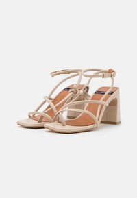 LAB - Sandals - seta/beach - 1