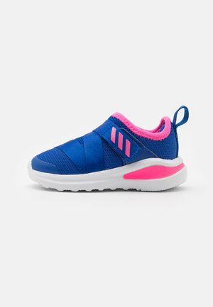 FORTARUN X UNISEX - Neutral running shoes - team royal blue/solar pink/footwear white