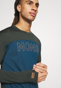 Mons Royale - YOTEI TECH  - Sports shirt - atlantic/rosin - 4