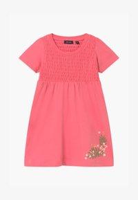 Blue Seven - SMALL GIRLS FLOWER - Žerzejové šaty - rot - 0