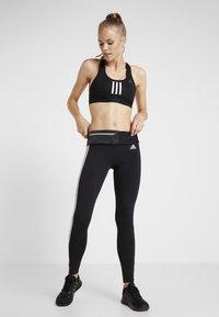 adidas Performance - SID - Legginsy - black/medium grey heather - 1