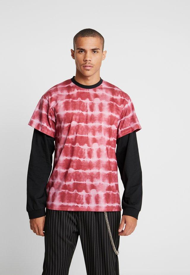 LAYERED TYE DYE - Print T-shirt - pink tye dye/black