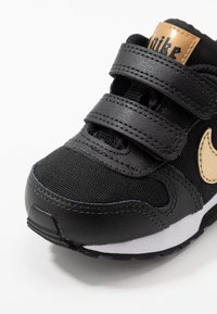 Nike Sportswear - RUNNER 2 - Trainers - black/metallic gold/white - 2
