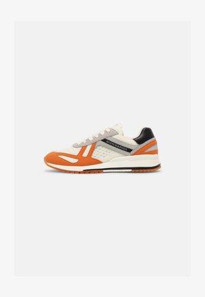 VIVEX - Sneakers basse - white/orange