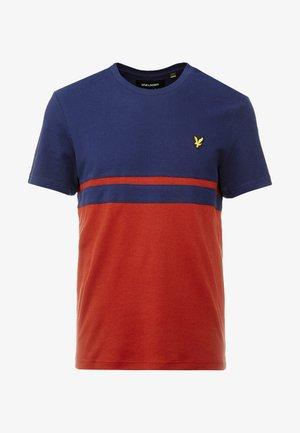 PANEL STRIPE - T-shirt con stampa - navy/ brick red