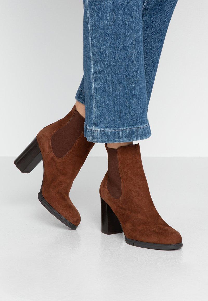 PERLATO - Classic ankle boots - cognac