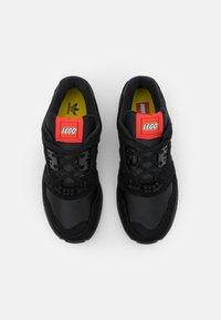 adidas Originals - ZX 8000 LEGO UNISEX - Trainers - core black/footwear white - 3