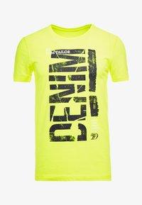TOM TAILOR DENIM - T-shirt imprimé - neon green - 4