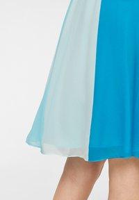 comma - MIT FARBVERLAUF - Day dress - turquoise - 5