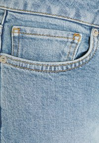 Selected Femme - SLFSILLA BAYSIDE FOLD UP - Shortsit - medium blue denim - 2